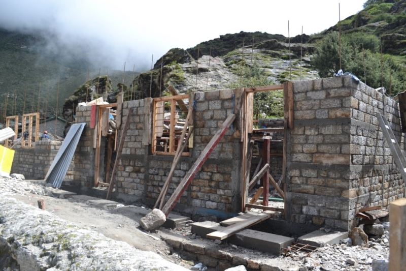 Khumjung SS_Litel wall completed_ECD