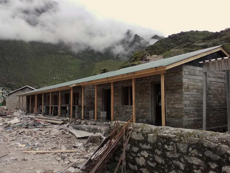 Khumjung SS_Roofing completed